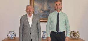 """Rektör Tümay'a """"Adana'nın Kurtuluşu'nun 100. Yıl Etkinlikleri"""" kataloğu takdim edildi"""