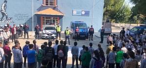 Manisa'da jandarmadan öğrencilere trafik eğitimi